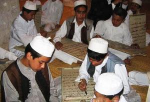 الكتاتيب تتسلل إلى مساجد ليبيا ليحفظوا القرآن