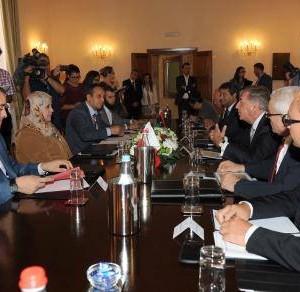 ليبيا ومالطا تتفقان على تعزيز التعاون في مجال السياحة