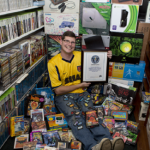 أمريكي يدخل موسوعة غينيس بأكبر مجموعة ألعاب فيديو