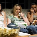 دراسة: الأفلام الحزينة تزيد احتمال الإصابة بالبدانة