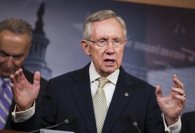 هاري ريد يهنيء الجمهوري ميتش ماكونيل على انه اصبح زعيما جديدا للاغلبية في مجلس الشيوخ