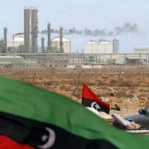 الإفراج عن غاني خطف في هجوم على حقل نفط في ليبيا