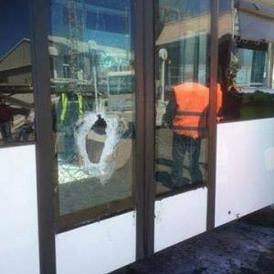 مقتل موظف وإصابة آخر في هجوم بمطار معيتيقة