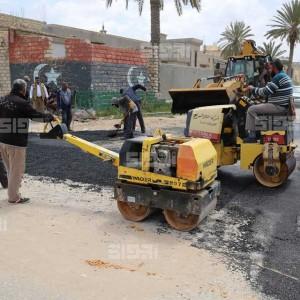 تاجوراء تطلق حملة لصيانة الطرق وأعمدة الإنارة