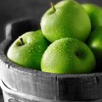 فوائد الإكثار من تناول التفاح الأخضر برمضان