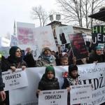 البوسنة.. احتجاجات على منع الحجاب بمؤسسات القضاء