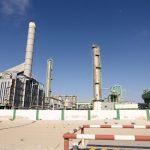 أزمة النفط.. شركات نفط عالمية تصفي استثمارات وتقلص الاستحواذات