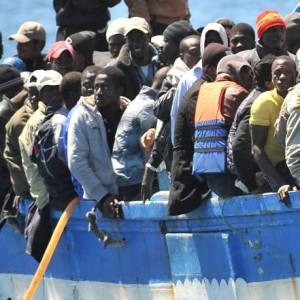 الأوبزرفر البريطانية: ليبيا طريق المهاجرين الجديد إلى أوروبا