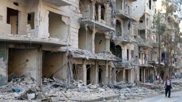 الغارات على القسم الشرقي من حلب أوقعت عشرات القتلى وخلفت دمارا هائلا