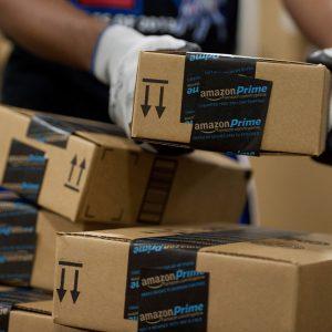 شركة أمازون تبيع مليار سلعة في موسم العطلات