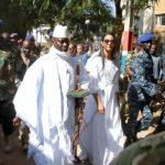 رئيس غامبيا المنتخب يؤدي اليمين وموريتانيا تواصل وساطتها