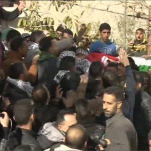 تشييع فتى فلسطيني استشهد برصاص الاحتلال