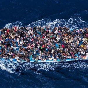 غرق حوالي 100 مهاجر غير شرعي قرب سواحل ليبيا