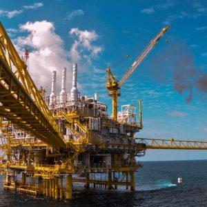 ارتفاع سعر النفط وهبوط الدولار بعد تصريحات ترامب
