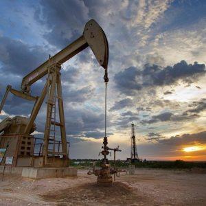 ارتفاع أسعار النفط بسبب التوتر بين الولايات المتحدة وإيران
