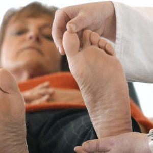 نصائح لرعاية قدم مريض السكري في الشتاء