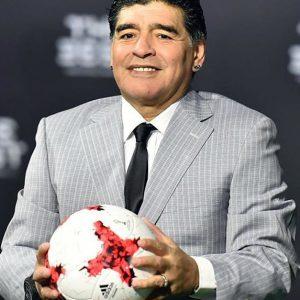 الاتحاد الدولي لكرة القدم يُعين الأسطورة