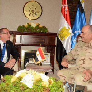 الفريق محمود حجازي يلتقي كوبلر في القاهرة