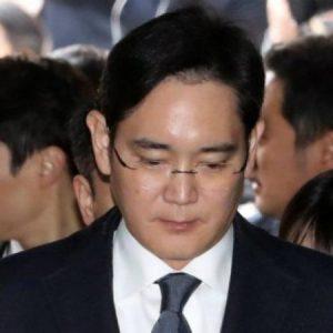 المزيد من الاتهامات تلاحق رئيس مجموعة سامسونغ