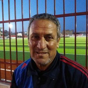 خليفة عبد الرازق مدربًا للصقور الليبي