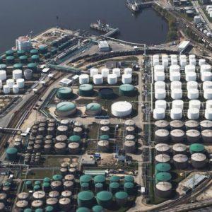 النفط يسجل أدنى أسعاره منذ ثلاثة أشهر