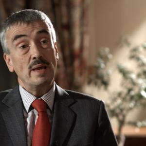 السفير البريطاني يُرحب بدور الجزائر في حل الأزمة الليبية