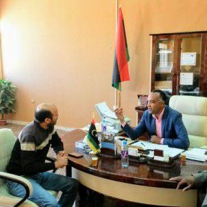 غات.. الملجس البلدي يلتقي بأحد مهندسي شركة ليبيا للاتصالات