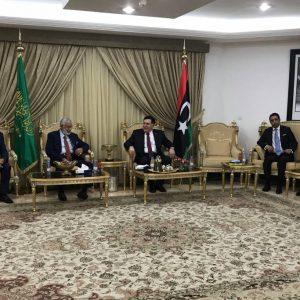 السراج يلتقي أعضاء السفارة الليبية في السعودية
