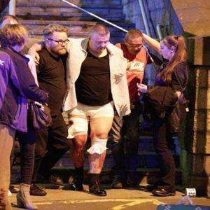 قتلى ومصابون في انفجار بمدينة مانشستر في بريطانيا