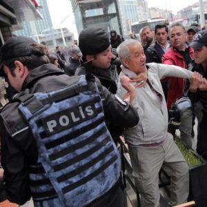 مذكرات توقيف بتركيا ضد متهمين بمناصرة غولن