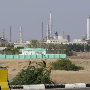 اليمن يبيع مليوني برميل من نفط حضرموت
