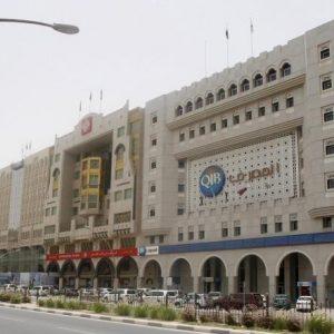 مصرفيون قطريون: البنوك لا تحتاج سيولة دولارية حاليا