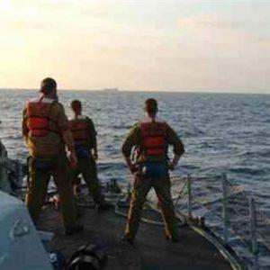البحريةُ المصرية تُنقذ سفينةً إيطاليةً قرب مرسى مطروح