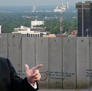 ترامب يقترح جداراً بألواح شمسية مع المكسيك