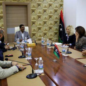 حمزة يلتقي المندوبة السياسية للأمم المتحدة والمسؤولة عن ملف المصالحة الوطنية