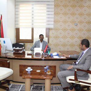 وزير التعليم يلتقي نائبي المجلس الرئاسي ويُناقش سُبل دعم التعليم في الجنوب
