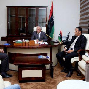 وزير الدولة لشؤون النازحين يجتمع مع رئيس بعثة المنظمة الدولية للهجرة في ليبيا