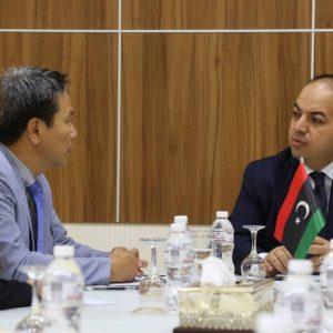 معيتيق يلتقي سفيركُوريا الجنوبية لدى ليبيا والوفد المرافق له