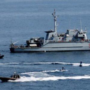 وصول السفينة «تريميتي» إلى قاعدة طرابلس البحرية