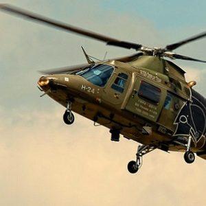 طيار حربي انتحر قفزاً من هليكوبتر على ارتفاع