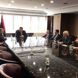 رئيس المجلس الرئاسي يستقبل وزير خارجية مصر