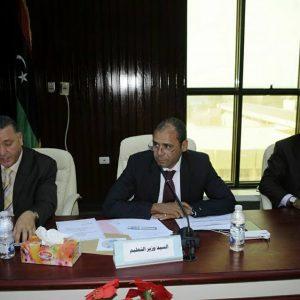 وزير التعليم يبحث مع المسجلين العامين بالجامعات تنظيم تسجيل الطلبة