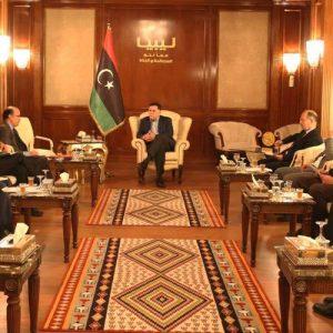 السراج يعقد اجتماعاً مع مدير شركة الخدمات العامة وعمداء بلديات طرابلس الكبرى