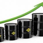 النفط يَصعد بِفعل انْخفاض مَخزُونات الخَام الأميركية