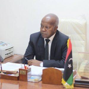 ملف المركز الليبي الكوري يطّلع عليه وزير العمل والتأهيل