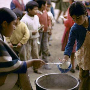 الأممُ المتحدةُ تَدعو إلى تَعزيز العملِ للقضاءِ عَلى الفقرِ