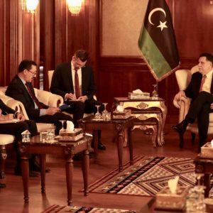 «السراج» يستقبل المبعوث الشخصي للرئيس التركي