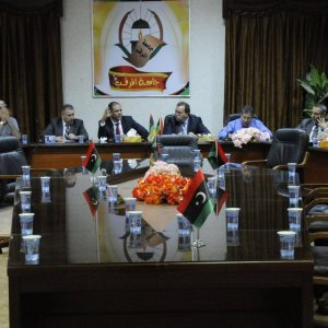 وزير التعليم يجتمع بعدد من رؤساء الجامعات لمناقشة مشاكل الدراسة الجامعية