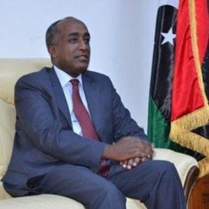 السفير المصري لدى ليبيا يتدخل في الشأن السياسي الليبي لإفشال أي توافق