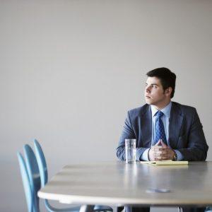 ماذا تَرتدي أثناء مُقابلة لوظيفة جَديدة؟